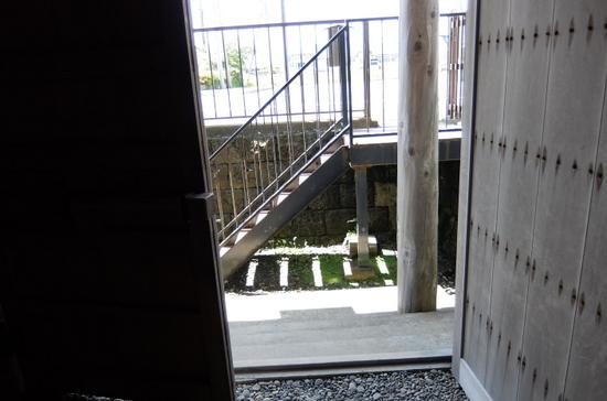 4中村家浜側.JPG