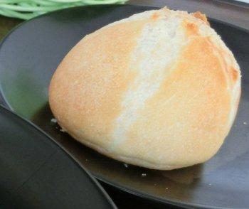 07自家製パン.JPG