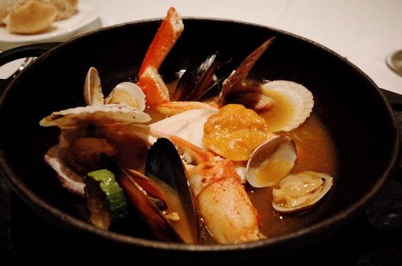 9_魚介の和出汁香るブイヤベース 鉄鍋仕立て.JPG